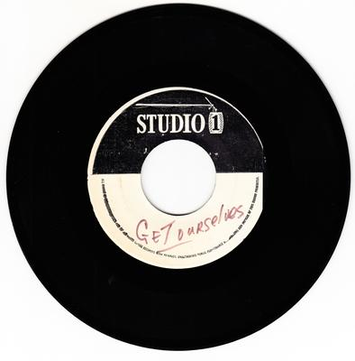 Winston & Jerry c/w Skatalites - Get Ourselves Together / African Chant  - Studio 1 cs dodd 226