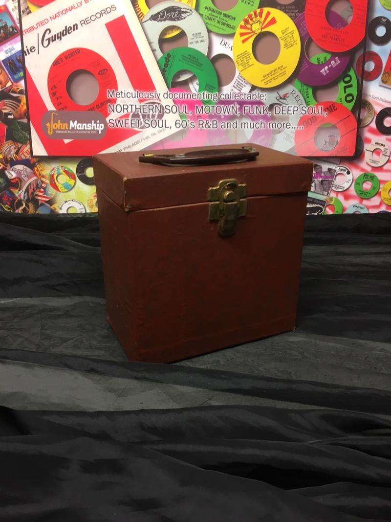 Brown Pressed Card Vintage 45 Count Case/ Bakelite Handle, Brass Effect
