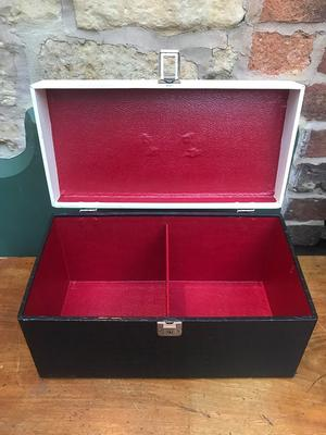 Record Carry Case - Crocodile effect finish 2 lane 45 case / stitched seams red lining - Record Box 2 lane 50's