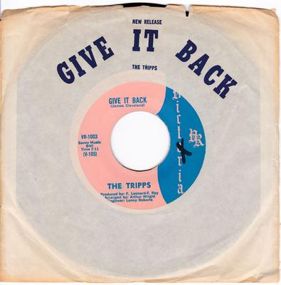 Tripps - Give It Back / Here Comes Those Heart'aches - Victoria VR 1003