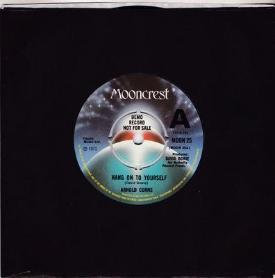Arnold Corns - Hang On To Yourself / same: - Mooncrest MOON 25 DJ