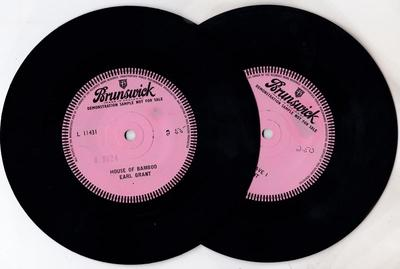 Earl Grant - House Of Bamboo (record 1) / Two Loves Have I (record 2) - Brunswick 11431 DJ x 2 45s